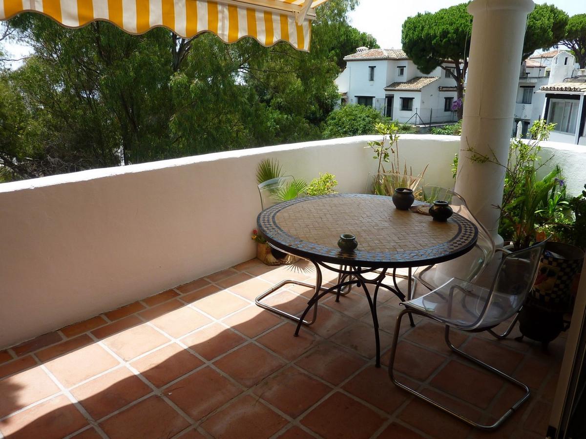 Marbella Banus Apartamento en Venta en Calahonda – R2147222