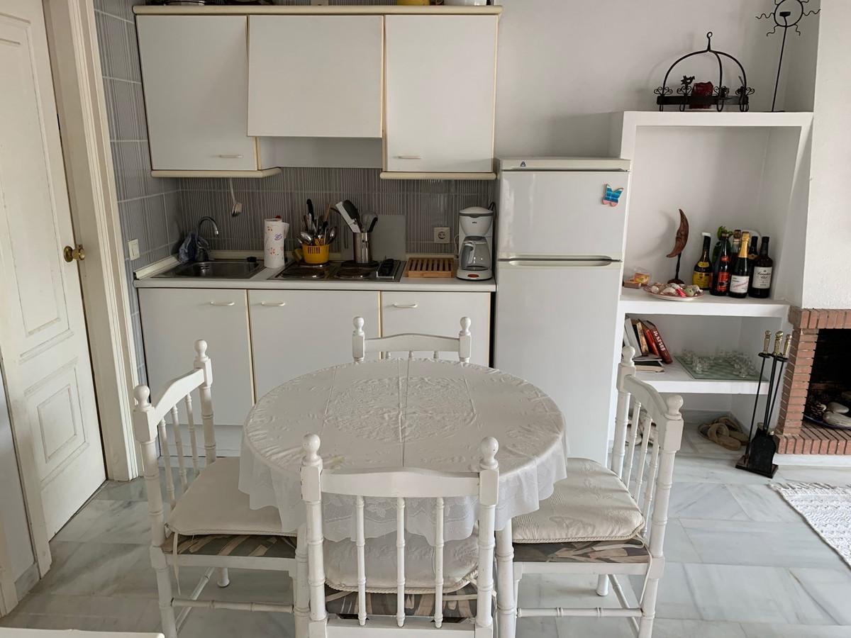 Apartamento Planta Media en Venta en Calahonda – R3384757