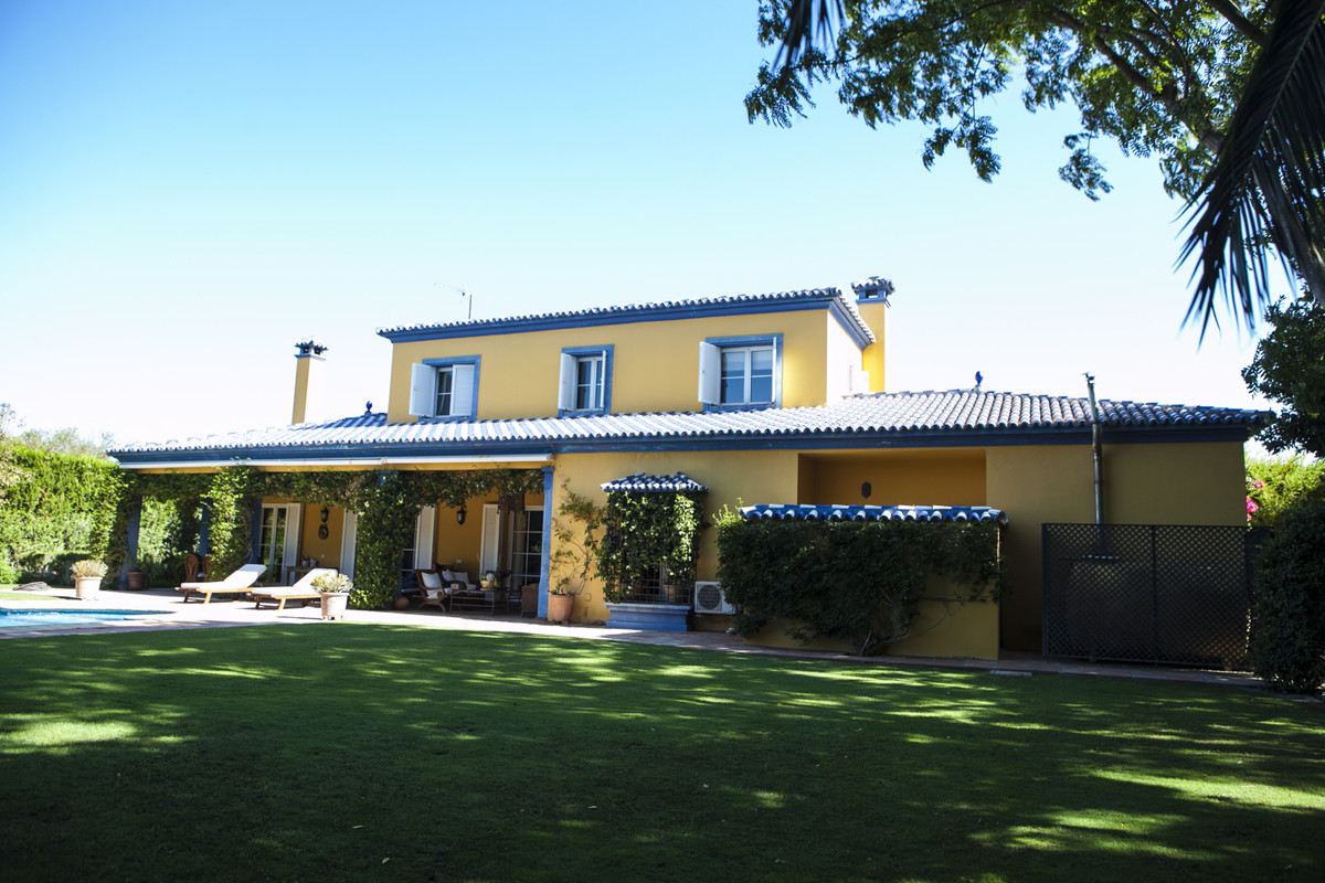 An immaculately presented family villa in Sotogrande Costa close to all the shopping and sports faci,Spain