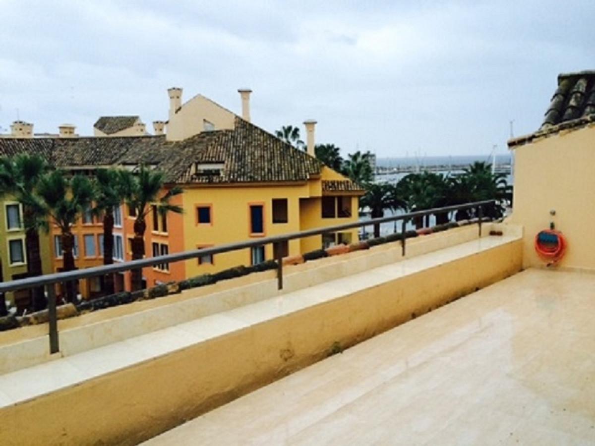 , Sotogrande Marina, Costa del Sol. 3 Bedrooms, 3 Bathrooms, Built 160 m², Terrace 40 m².  Setting :,Spain