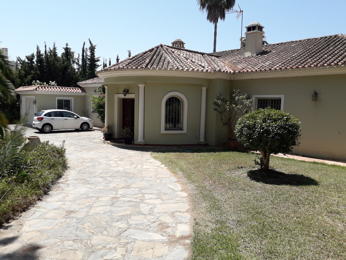 We are pleased to bring to the market this beautiful detached Villa for sale in the most sought afte,Spain
