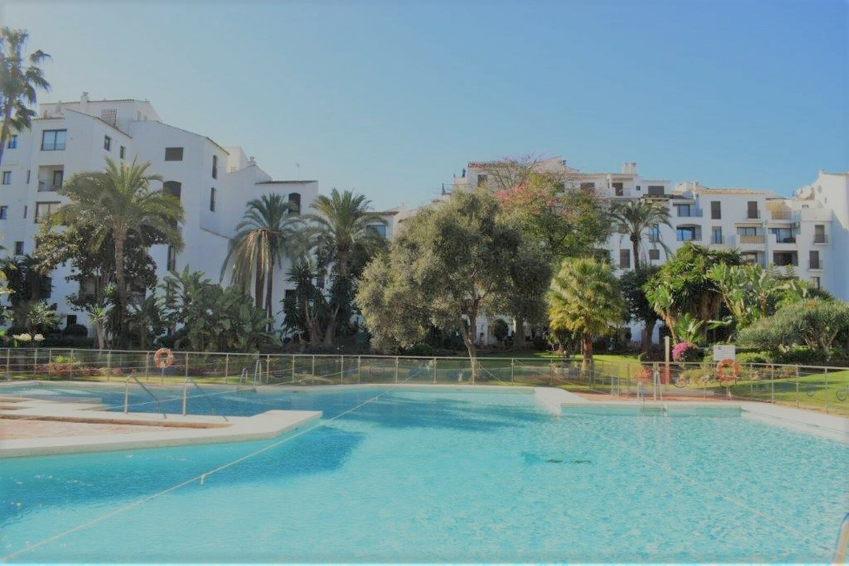 Apartment with 2 bedrooms and 2 bathrooms located in the heart of Puerto Banus a few steps from the ,Spain