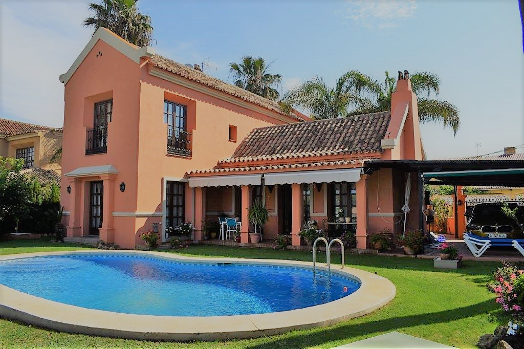 Marbella Banus Villa – Chalet en Venta en San Pedro de Alcántara – R3733390