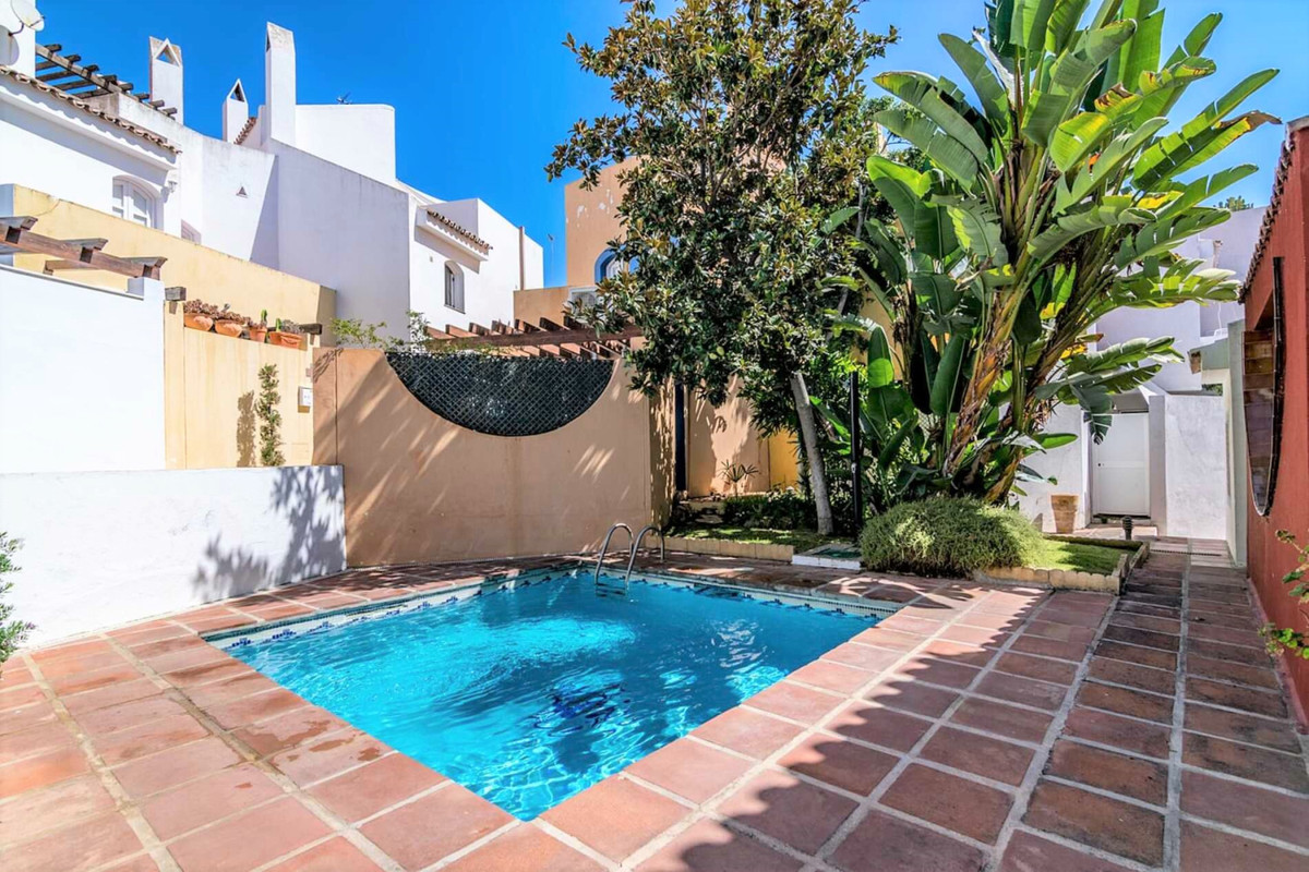 - TOWNHOUSE IN NUEVA ANDALUCIA -  3 bedroom townhouse located 5 minutes from the beach in one of the, Spain