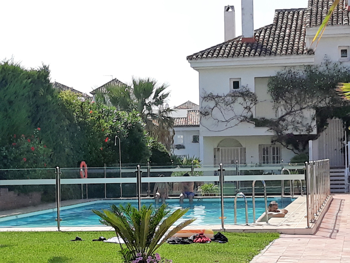 APARTMENT IN GROUND FLOOR NEAR THE HOTEL ANDALUCIA PLAZA -  This 3 bedroom apartment is located in t, Spain