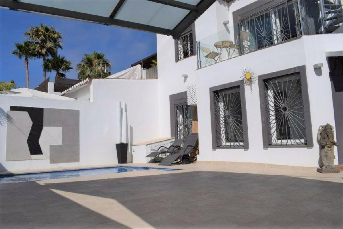 Villa  Independiente en venta   en San Pedro de Alcántara