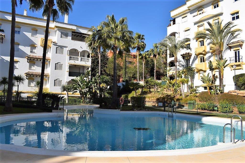 Marbella Banus Apartamento Planta Baja en venta en The Golden Mile – R3598163