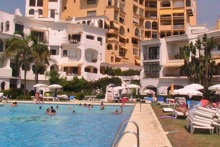 2 bedroom apartment located in the Port of Cabopino a few meters from the beach, the marina and rest,Spain