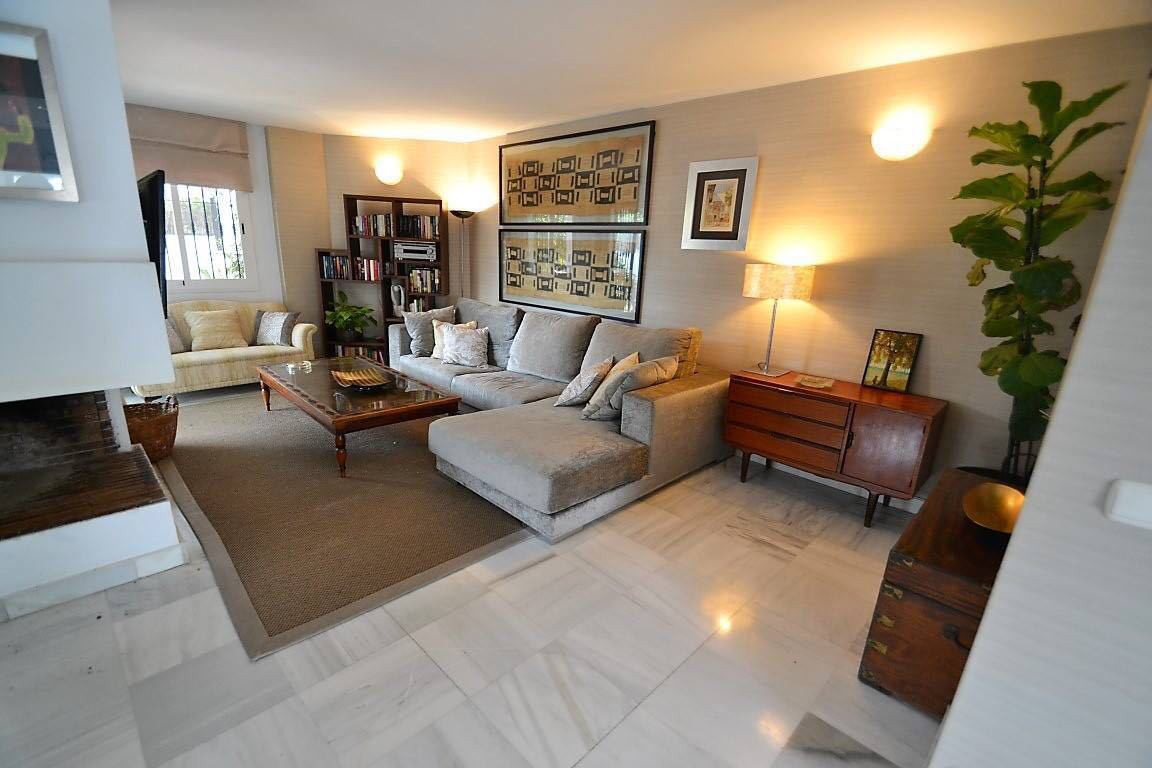 5 Bedroom Townhouse for sale Nueva Andalucía