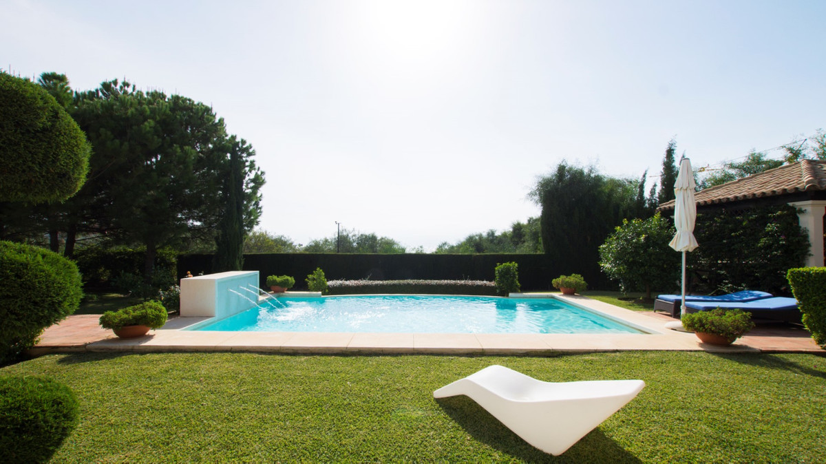 BIG REDUCTION FROM 2.400.000  - VILLA IN LOS FLAMINGOS  -  Classic style villa on a plot of 1,466 mt, Spain