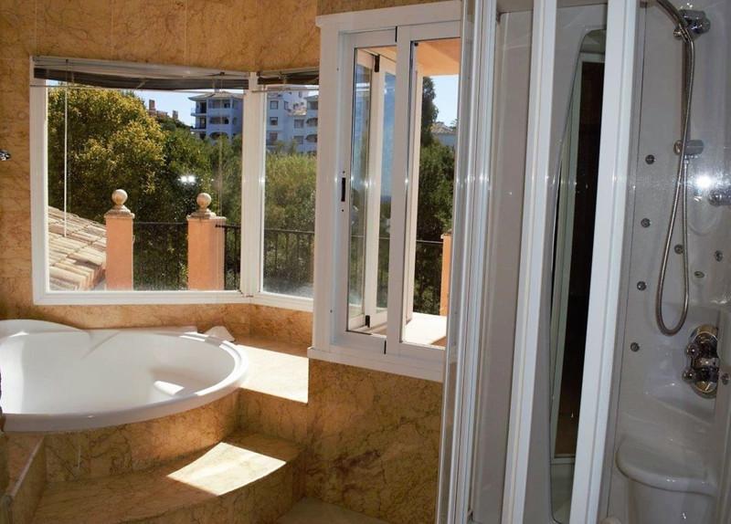 Villa – Chalet en venta en Las Chapas – R3420580