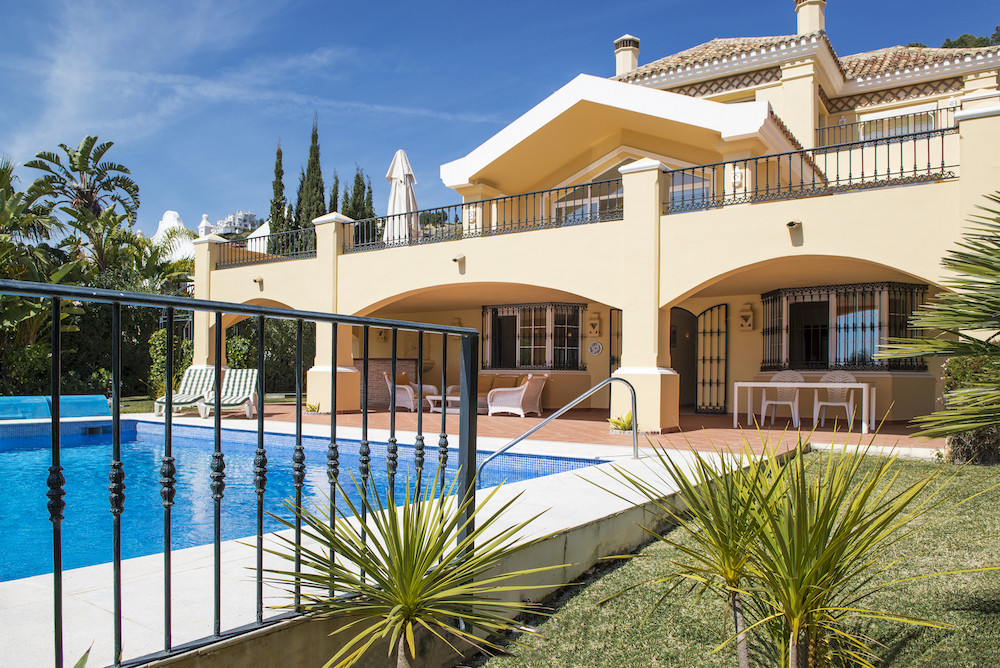 - FANTASTIC PRICE AT THE FIFTH - GOLF AND SEA VIEWS -  This excellent 6 bedroom villa is located on ,Spain