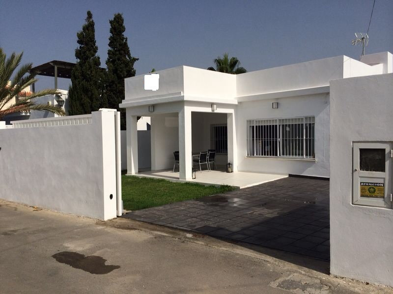Reduction from 475.000 Charming villa reformed in 2004, second line beach in Las Chapas. Only 30 mtr,Spain