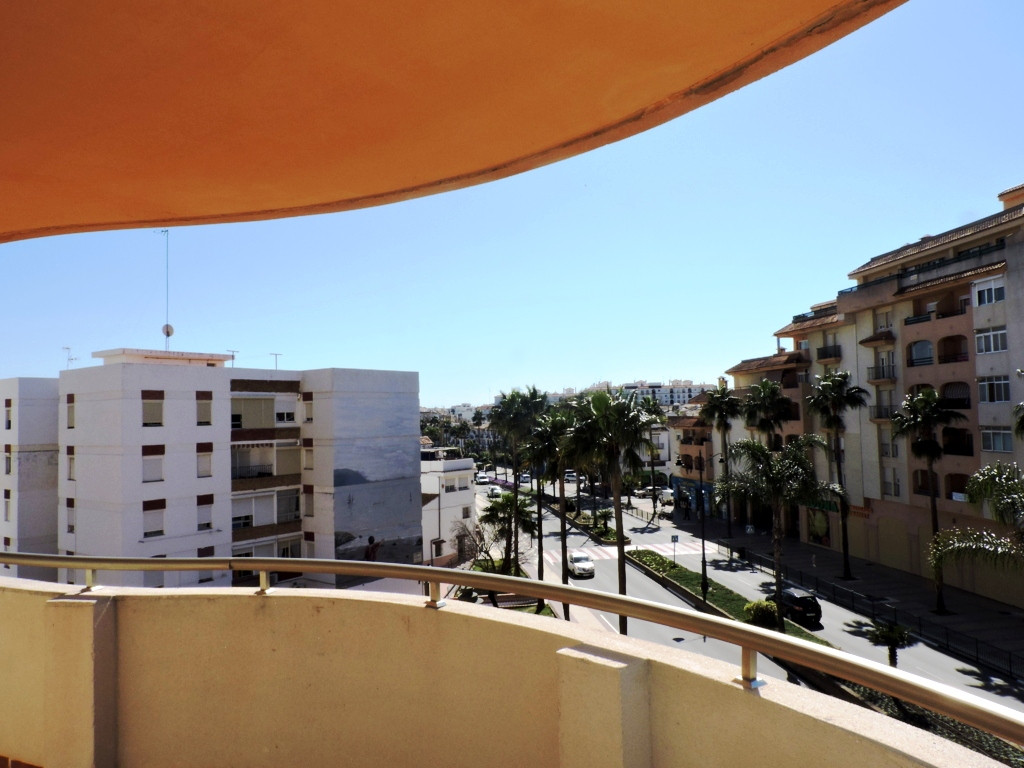 Magnificent 2 bedroom apartment on the middle floor with unbeatable location!  This apartment is loc, Spain