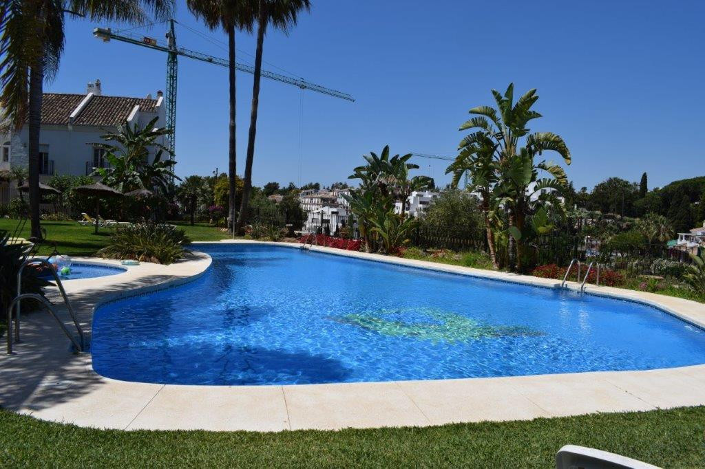 Excellent location on The Golden Mile!  Townhouse in corner of 3 bedrooms in a gated complex located, Spain