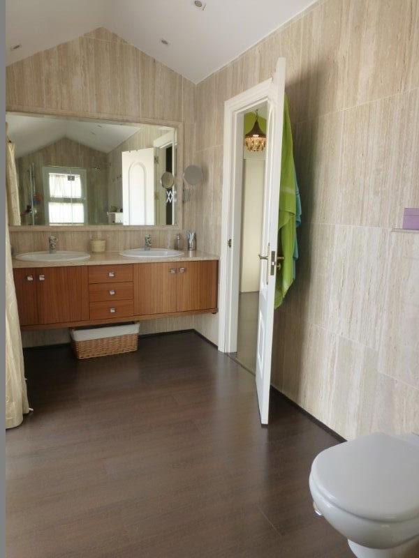 Unifamiliar con 5 Dormitorios en Venta The Golden Mile