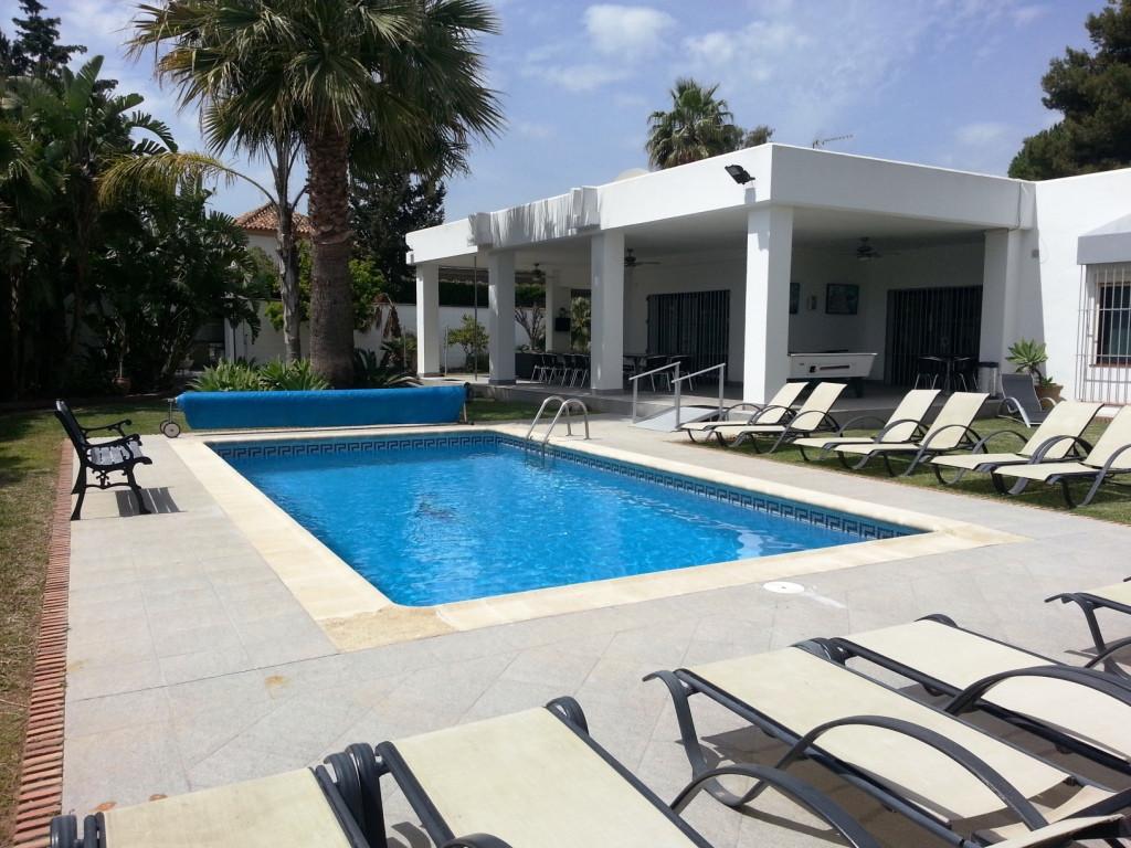 Villa 10 Dormitorios en Venta Nagüeles