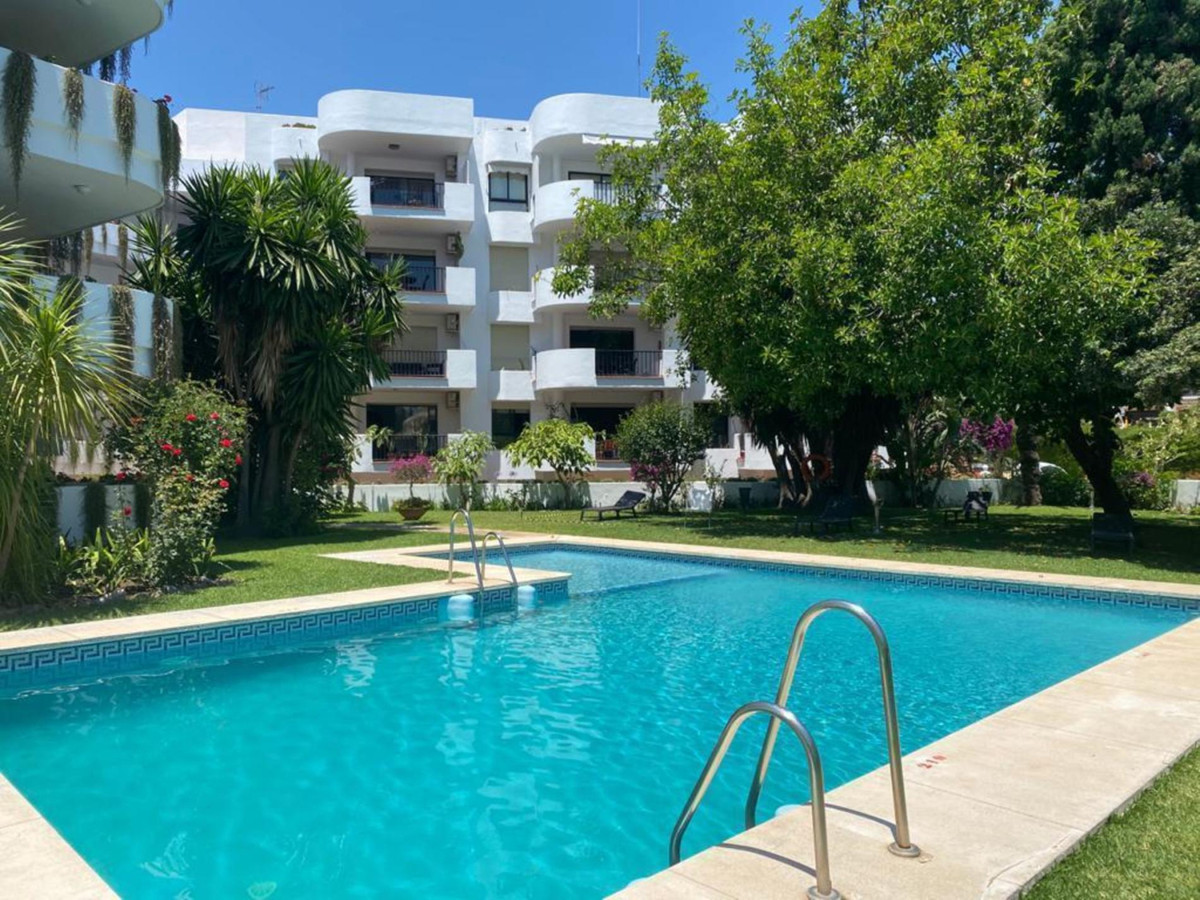 AVAILABLE - Apartment with 1 bedroom and 1 bathroom of 99 mtrs. and 15 mtrs. terrace in Nueva Andalu,Spain