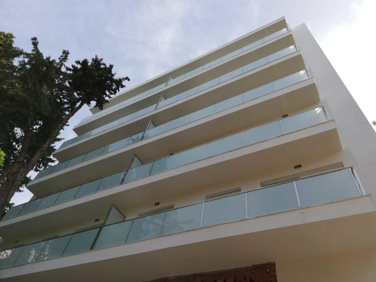 Marbella Banus Apartamento en Venta en Marbella – R3445825