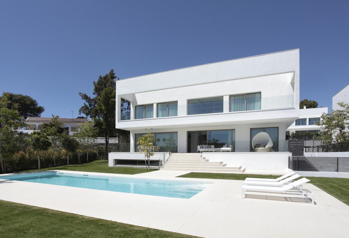 Marbella Banus Villa – Chalet en Venta en Guadalmina Baja – R2853914