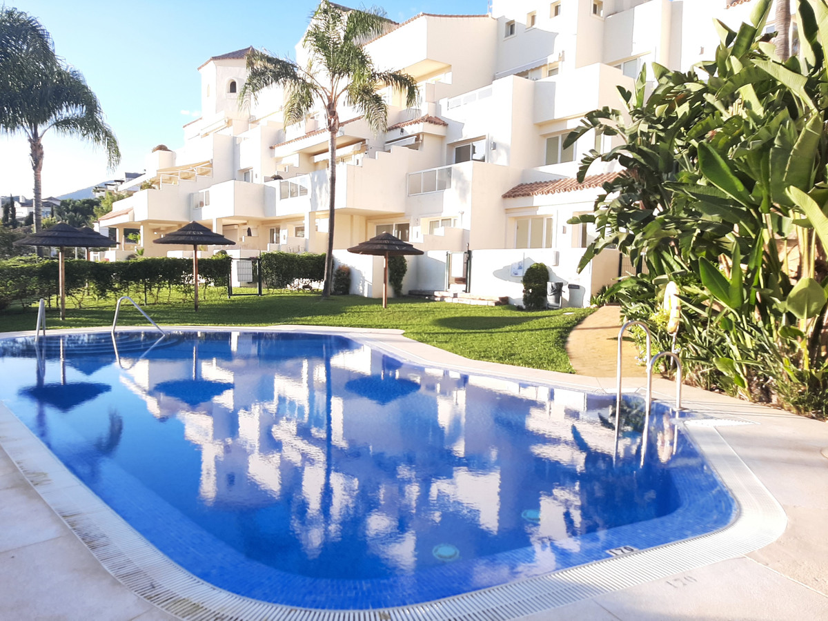 PRICE REDUCTION FROM 425,000 Fantastic Opportunity! This luxurious apartment is located in the Ocean,Spain