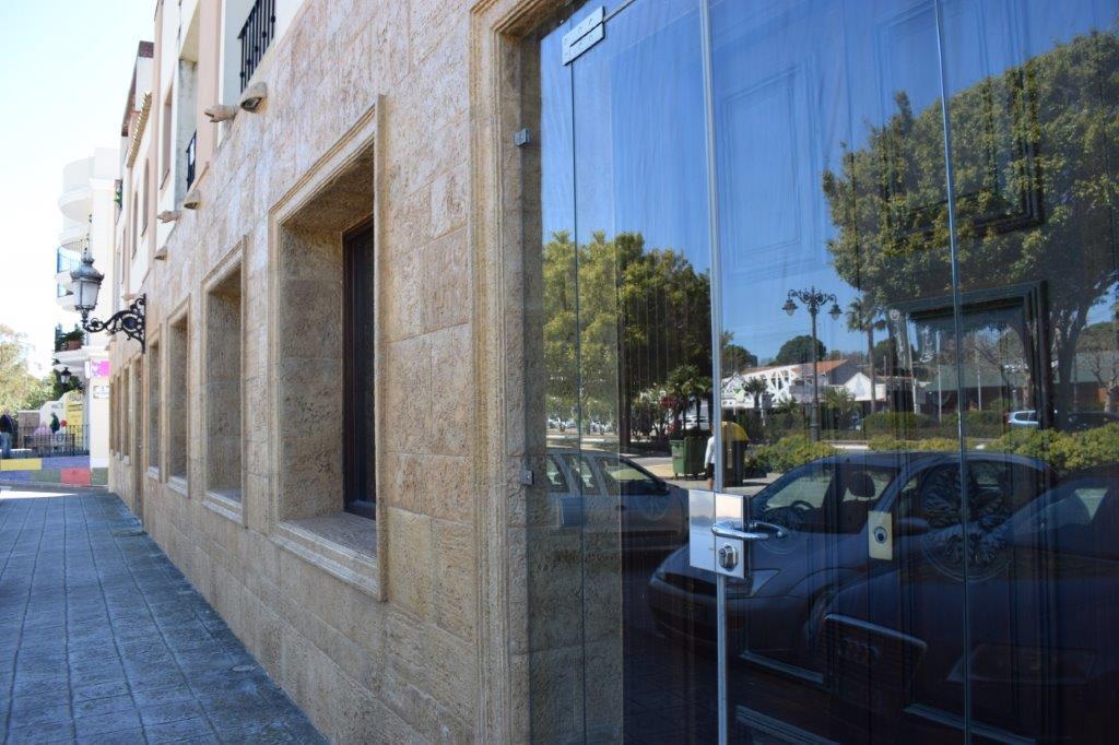 Commerce  Bureau en vente   à Estepona