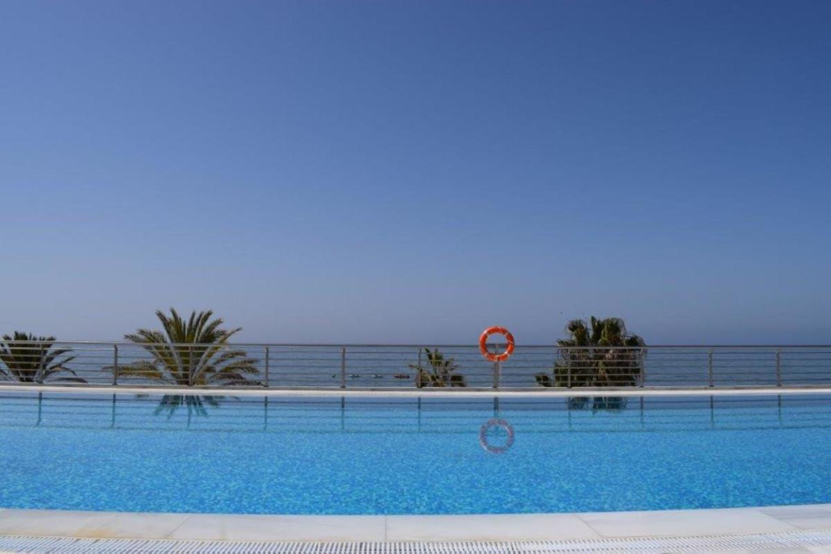 Marbella Banus Apartamento Planta Media en Venta en Marbella – R2938877