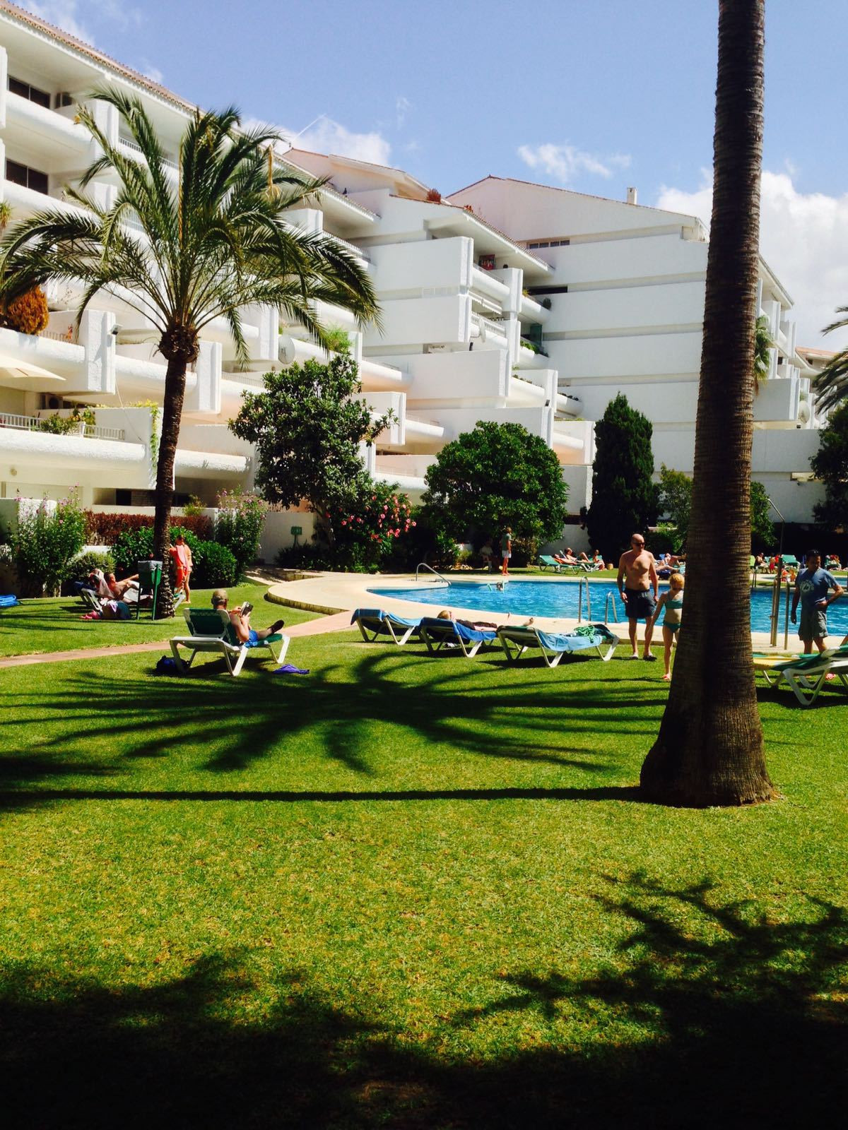 RENTED 1 bedroom apartment next to the beach in a gated complex on the Golden Mile. This complex is , Spain