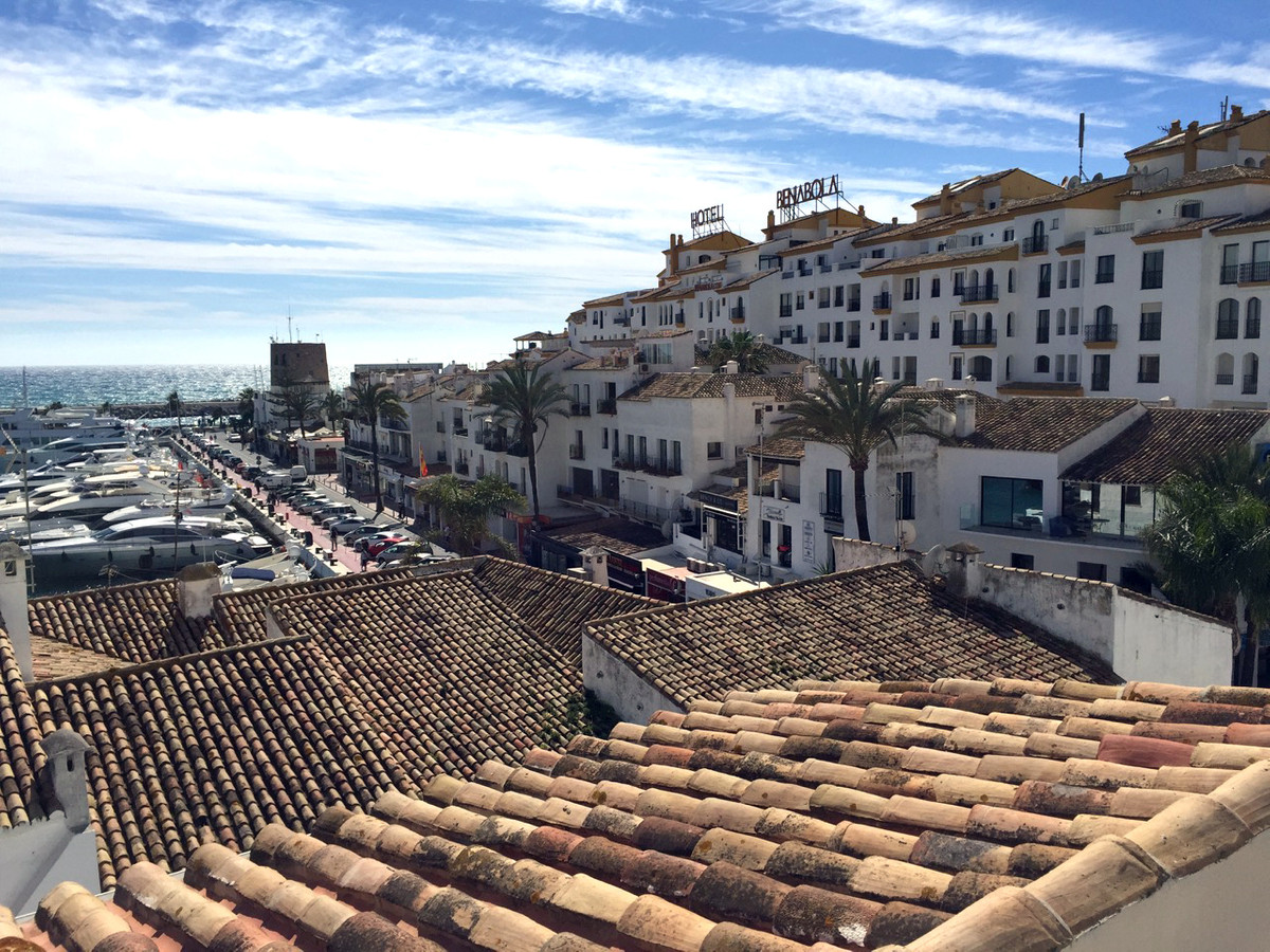 RENTED Duplex apartment in second line of the port located in Puerto Banus in a building of only 4 a,Spain