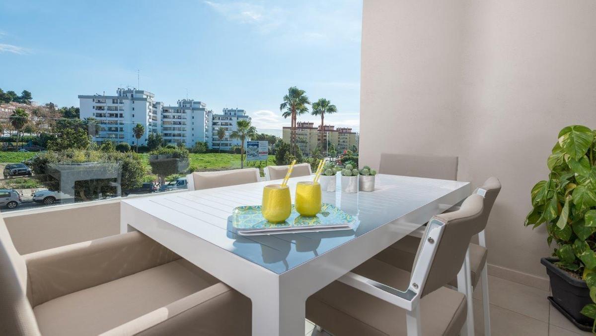 Apartamento Planta Media en Venta en Nueva Andalucía – R3071215