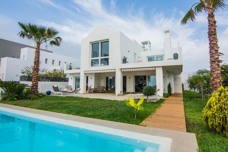 Villa – Chalet en venta en La Mairena – R3062476