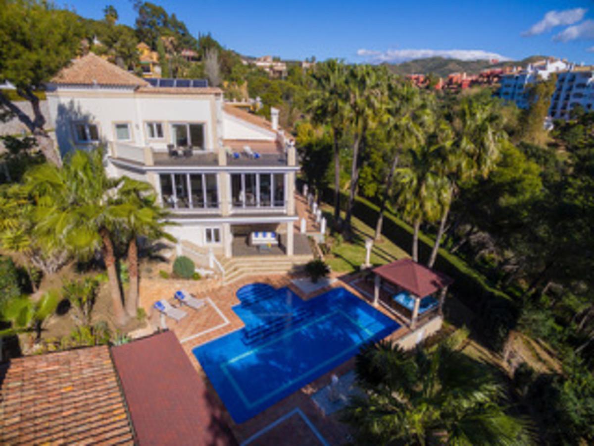 Marbella Banus Villa – Chalet en Venta en Las Chapas – R3380026