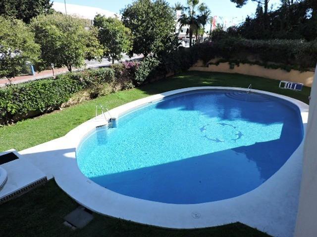 Apartamento Planta Baja en Venta en Nueva Andalucía – R2835506
