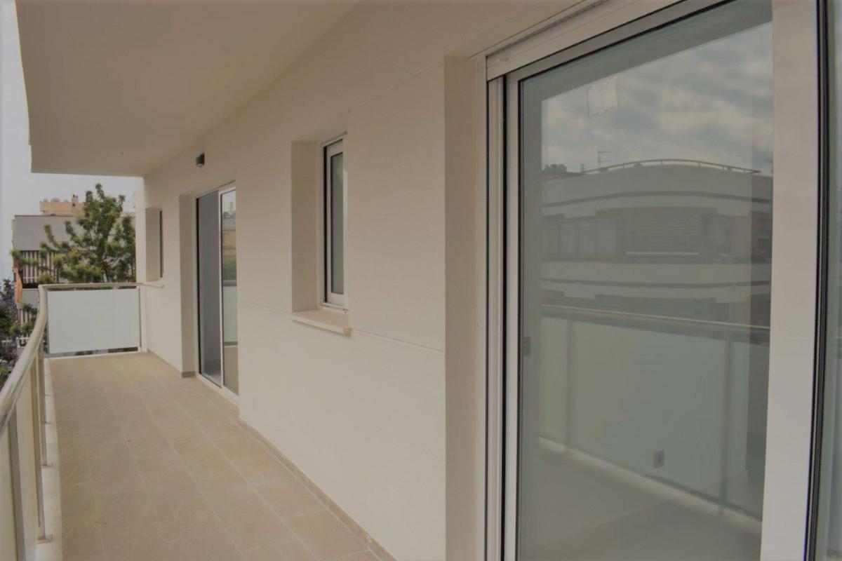 Marbella Banus Apartamento en Venta en Marbella – R3446620