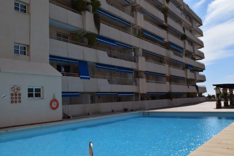 APARTMENT IN VERY GOOD CONDITION - Luminous apartment with 2 bedrooms and 2 bathrooms located in Pue Spain