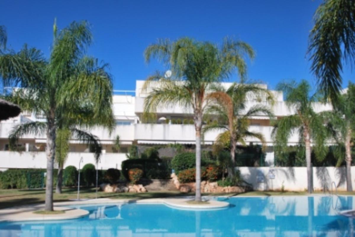 Marbella Banus Apartamento en Venta en Nueva Andalucía – R3293470