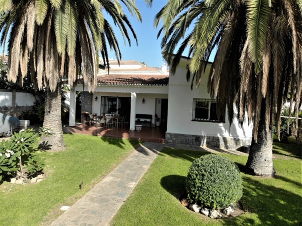 House in Arroyo de la Miel R3611735 2