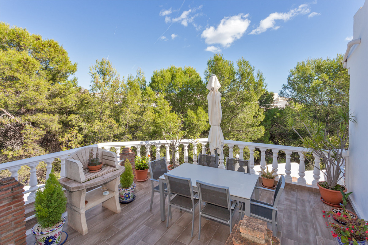 MUST BE SEEN! Fantastic renovated  and extremely spacious townhouse on 3 levels situated in the most,Spain