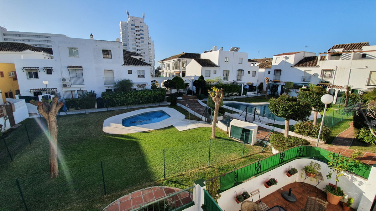 GREAT OPPORTUNITY!! IN BENALMADENA CENTER ! Three bedroom townhouse, two bathrooms and garage for sa, Spain