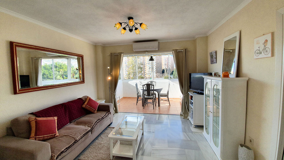MAGNIFICENT OPPORTUNITY AND VERY GOOD VALUE FOR MONEY. Charming apartment in a classic and prestigio,Spain