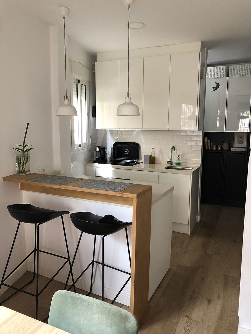 Charming totally renovated ground floor apartment with private entrance centrally located in Arroyo ,Spain