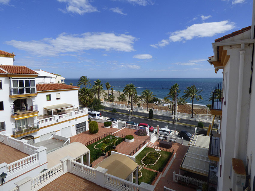 Spacious apartment very close to the beach in Benalmadena Costa. It consists of an entrance hall, di, Spain