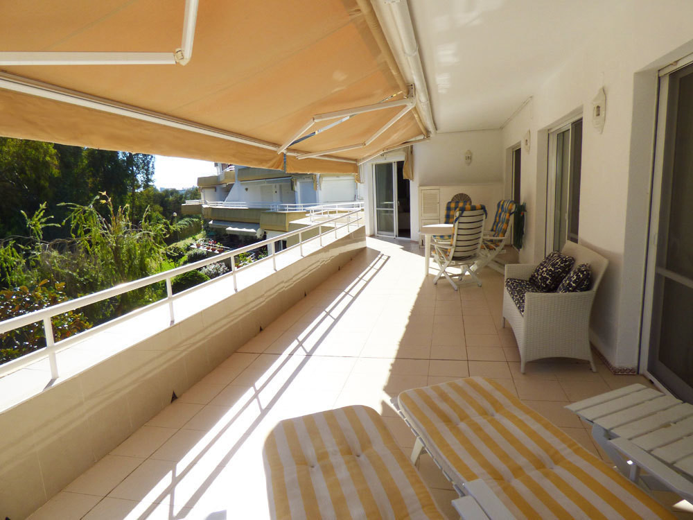 EXCLUSIVITY! OPPORTUNITY ! Located right next to Torrequebrada golf course in Benalmadena Costa in a,Spain