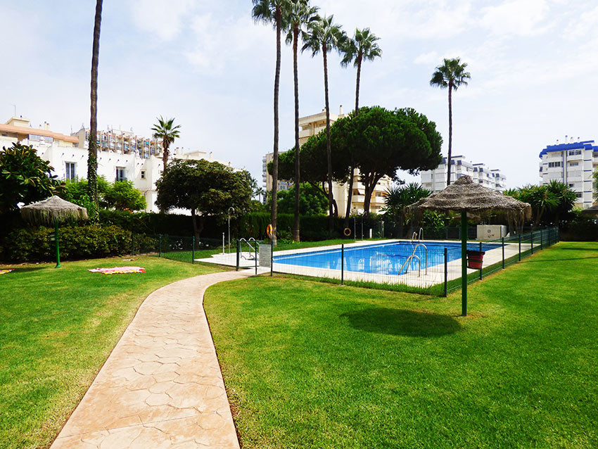 Lovely apartment in perfect condition situated in Benalmadena - Costa within 2 blocks to the beach o,Spain