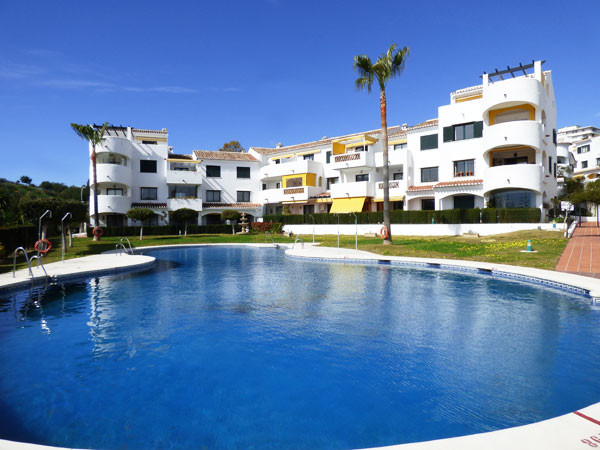 Costa del Sol, Benalmadena, bright middle floor apartment for sale in a very sought after urbanisati,Spain