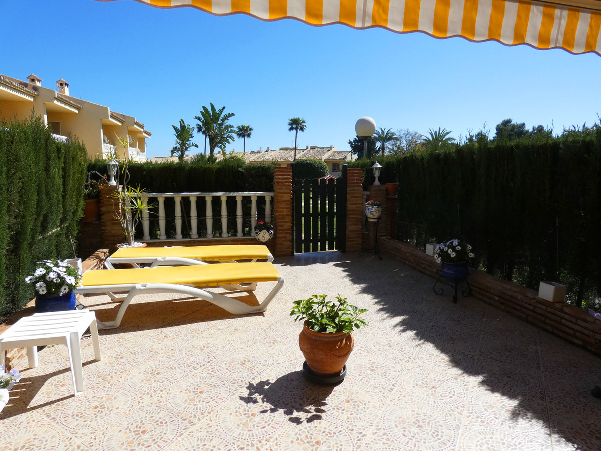 OPPORTUNITY!! Lovely large two level south facing family townhouse in perfect condition with open vi, Spain