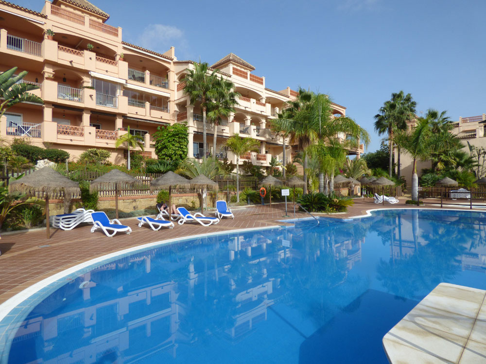Apartment of very good standing with sea view located in one of the most beautiful residences of Ben,Spain
