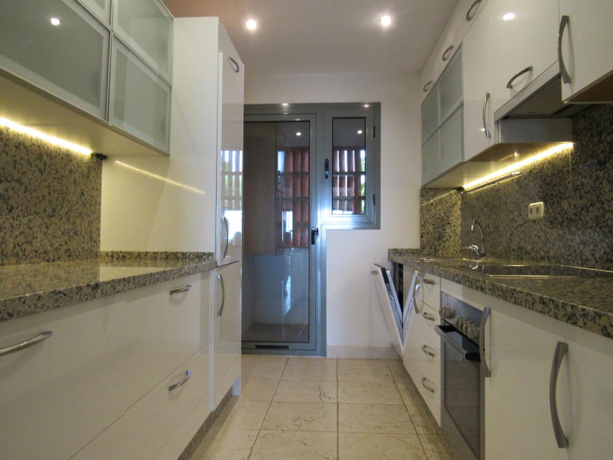Apartamento Planta Media en Venta en Los Flamingos – R3446257