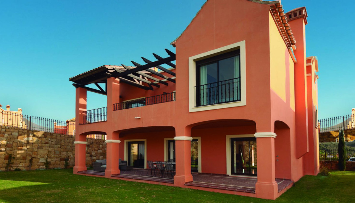 Independent villas with excellent common areas where you will find your future home. The best locati, Spain