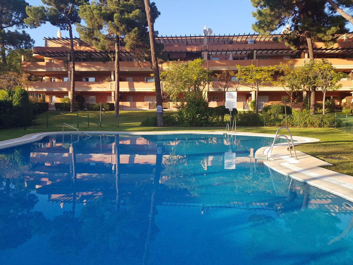 Ref:R3542692 Apartment - Middle Floor Apartment For Sale in Elviria